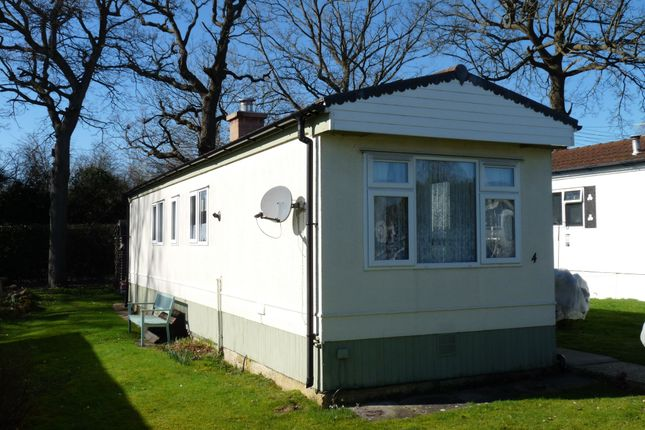 1 bed mobile/park home for sale in St. Brelades Court, Crouch House Road, Edenbridge TN8