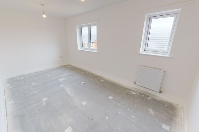 2 bedroom flat for sale in The Moorings, Bristol