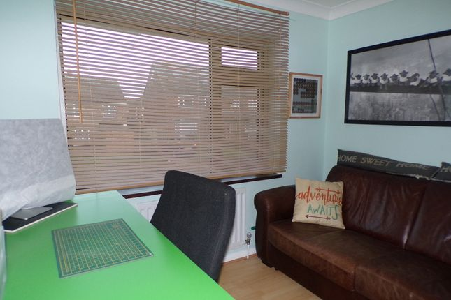 Bedroom 2 of Evenden Road, Meopham, Gravesend DA13