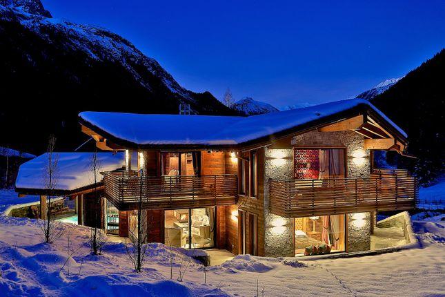 Thumbnail Chalet for sale in Le Lavancher, 74400 Chamonix-Mont-Blanc, France