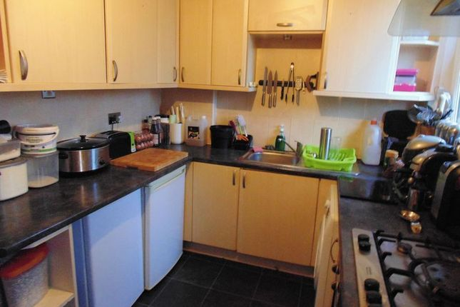 Kitchen of Silverburn Crescent, Newarthill, Motherwell ML1