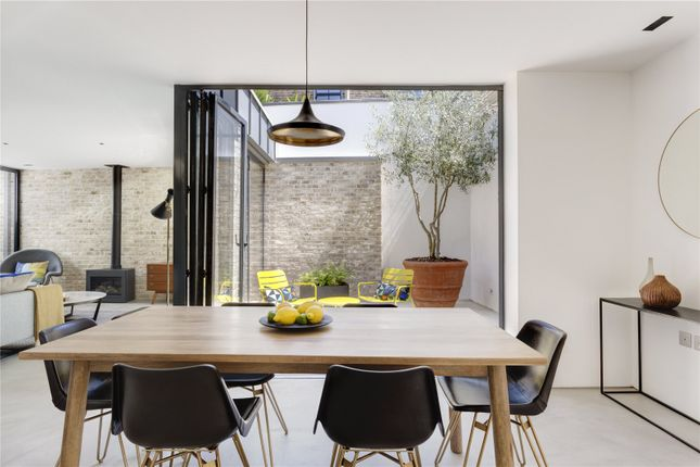 Picture 14 of Townley Street, London SE17