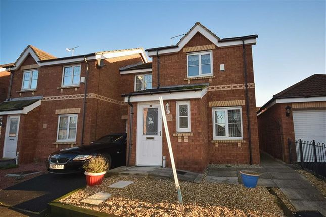 Thumbnail Semi-detached house to rent in Waseley Hill Way, Leadhills Way, Hull