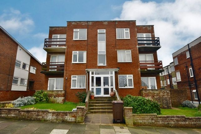 2 bed flat for sale in Chichester Drive East, Saltdean BN2