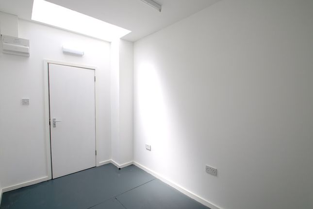 Picture 4 of Unit 2, Queens Yard, White Post Lane, Hackney, London E9