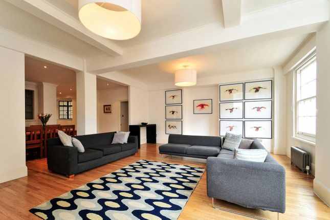 3 bed flat for sale in George Street, Marylebone