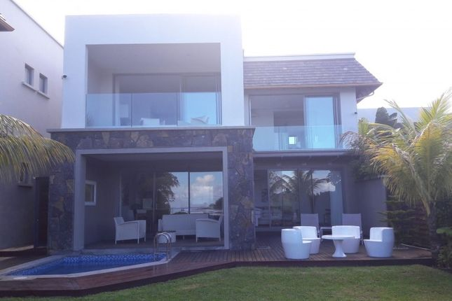 Thumbnail Villa for sale in Black River, Mauritius