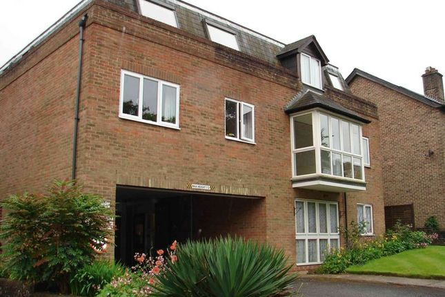 Thumbnail Flat for sale in Link House, Crowborough