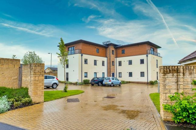 2 bed flat for sale in Witney, Oxfordshire OX28
