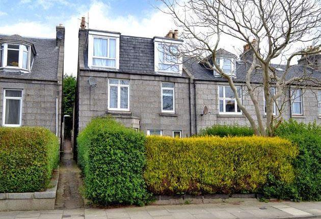 Thumbnail Flat to rent in Roslin Terrace, Aberdeen
