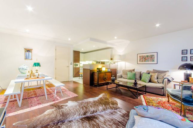 Flat for sale in Baltimore Wharf, Isle Of Dogs