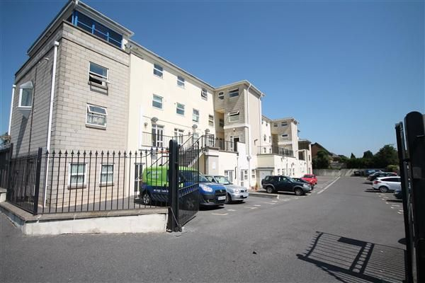 Thumbnail Flat to rent in Ringwood Road, Parkstone, Poole