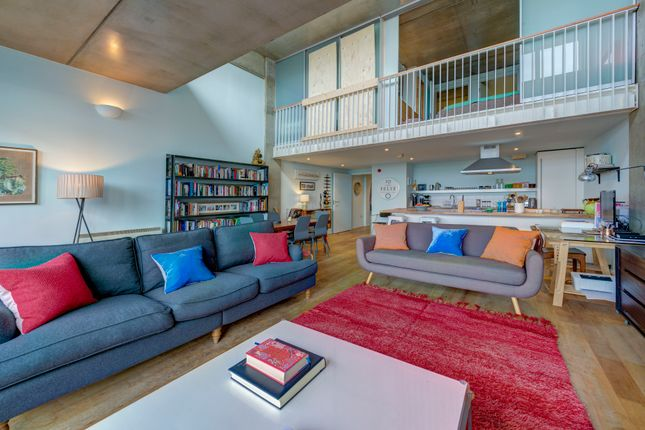 2 bed flat for sale in Wenlock Road, London N1