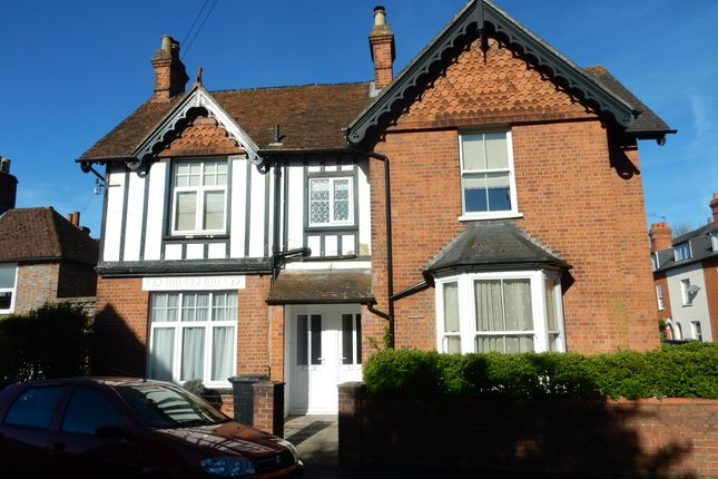 Thumbnail Flat to rent in Kennet Road, Newbury