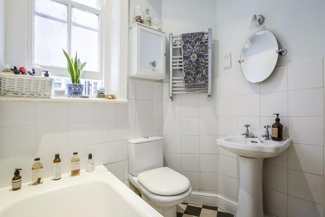 Bathroom of Mowll Street, London SW9