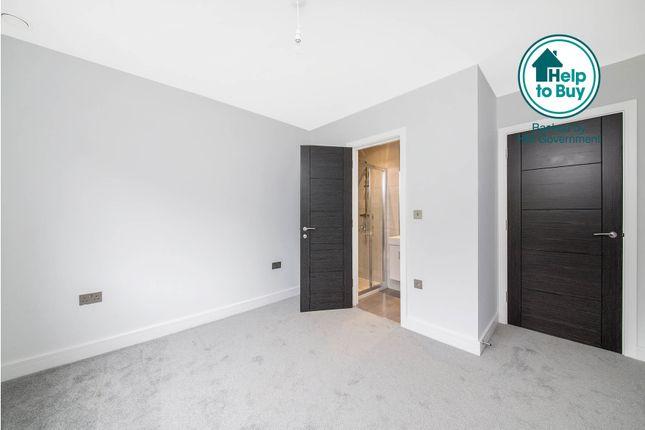 Thumbnail Flat for sale in Flat 3, 130 Croydon Road, Sydenham, London