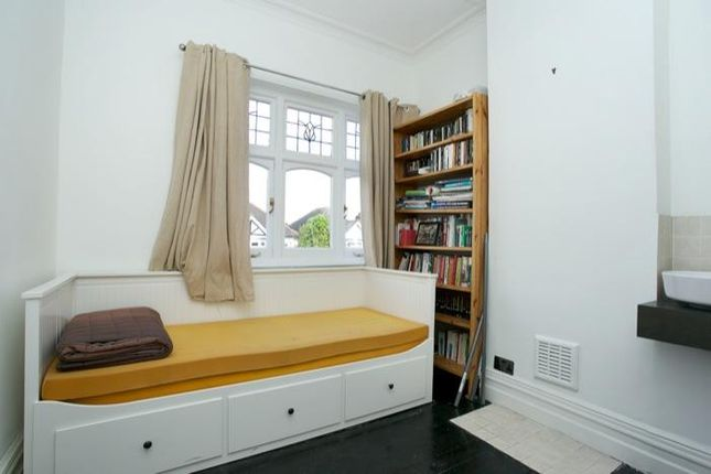 Bedroom 4 of Kirkstall Road, London SW2