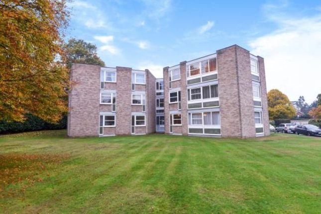 Thumbnail Flat to rent in Heathside, Weybridge, Surrey