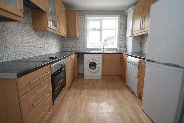 2 bed property to rent in Kemp Road, Winton, Bournemouth