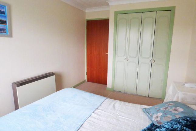 Bedroom 1 of Ty Rees, The Parade, Carmarthen SA31