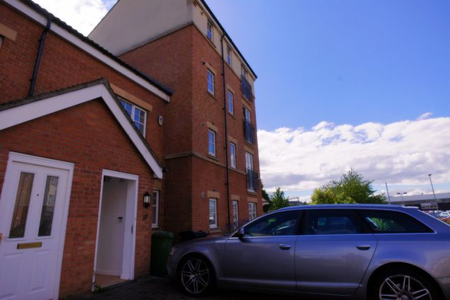 Thumbnail Semi-detached house to rent in Redgrave Close, Gatehead