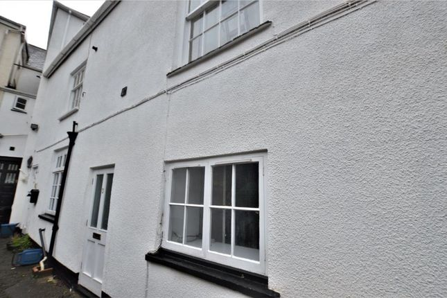 1 bed flat to rent in High Street, Crediton, Devon EX17