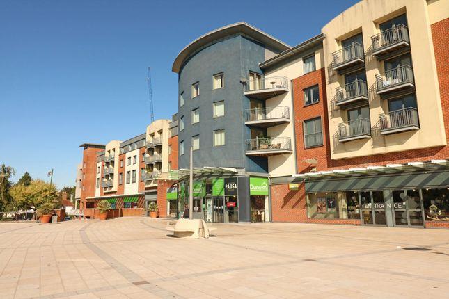 Thumbnail Flat for sale in Lower Tanbridge Way, Horsham
