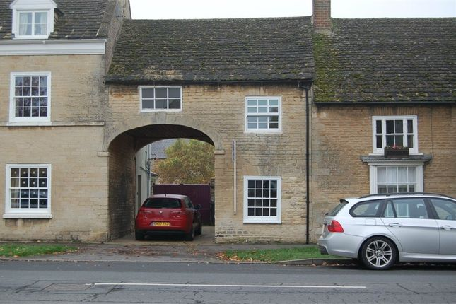 Thumbnail Cottage to rent in Church Street, Market Deeping, Peterborough