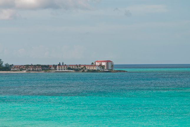 Apartment for sale in Delaporte Point, Nassau/New Providence, The Bahamas