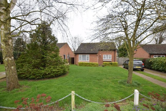 2 bed detached bungalow for sale in Elliott Close, Newmarket