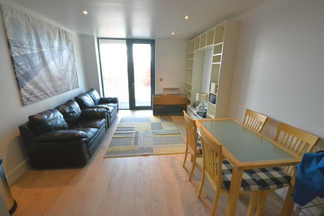 Thumbnail Terraced house to rent in City Walk, London