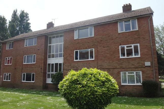Thumbnail Flat for sale in Meadway Court, The Boulevard, Goring-By-Sea, Worthing