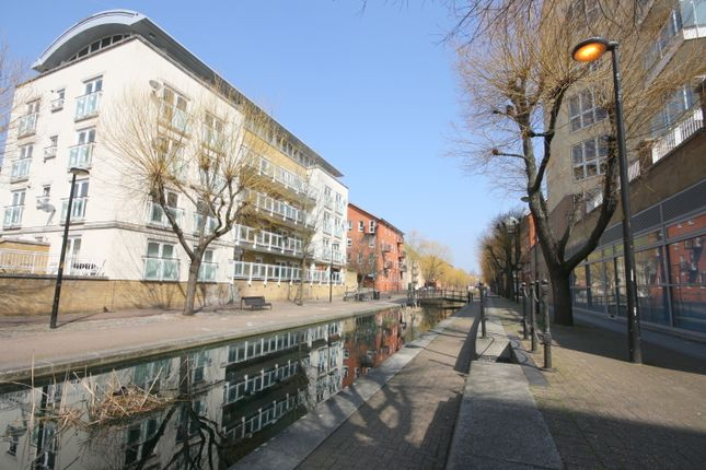 Thumbnail Duplex for sale in Water Gardens, Canada Water, London SE16,