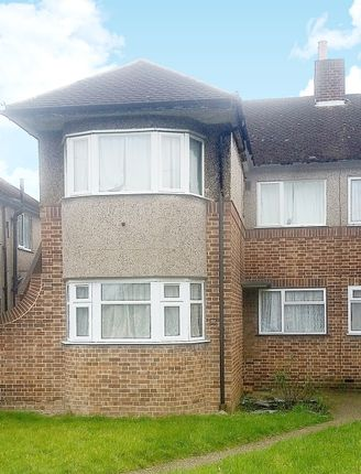 Thumbnail Maisonette to rent in Ruislip Close, Greenford