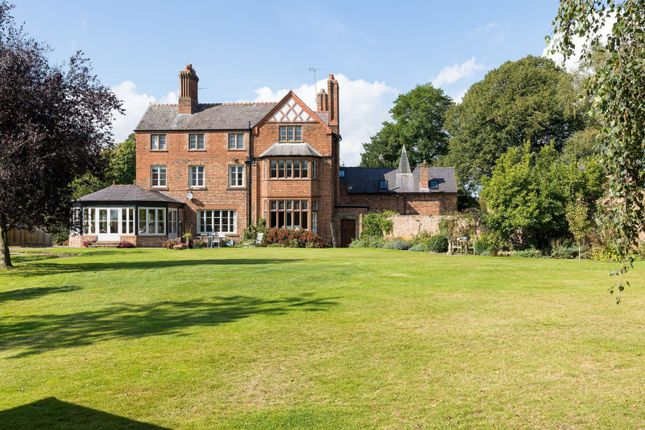 6 bed semi-detached house for sale in Village Road, Great Barrow, Chester CH3