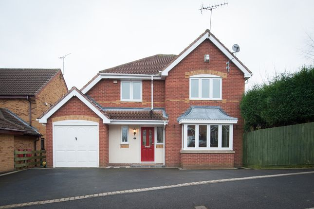 Thumbnail Detached house for sale in Felstead Close, Dosthill, Tamworth