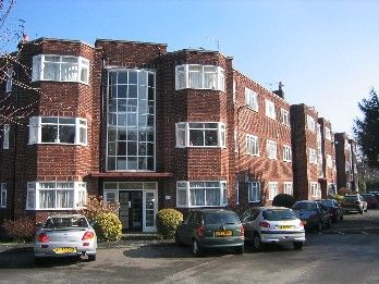 Thumbnail Flat to rent in Wilmslow Road, Didsbury