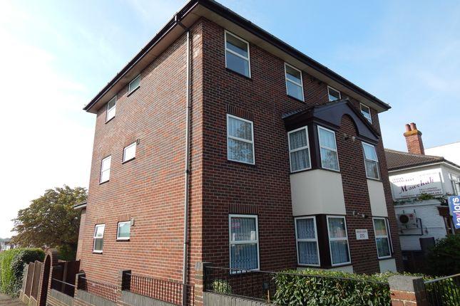 Thumbnail Flat to rent in Havant Road, Drayton, Portsmouth