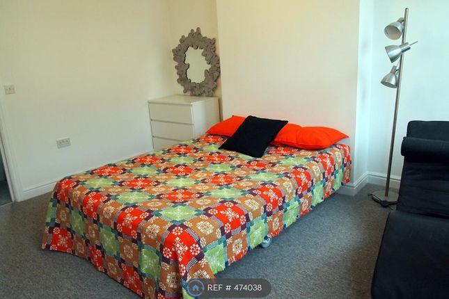 Large Bedroom of Creek Road, London SE10