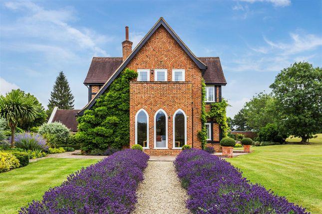 House. Estate Agency Ockham