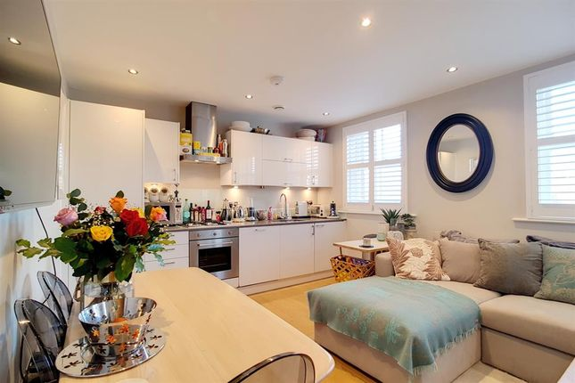 1 bed flat for sale in 10 Marianne Close, Camberwell, London