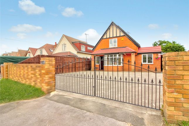 5 bed bungalow for sale in Loddon Bridge Road, Woodley, Reading RG5