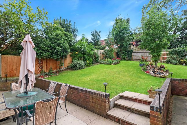 Garden of Nightingale Close, Abbots Langley WD5