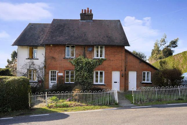 2 bed cottage to rent in Mount End, Theydon Mount, Epping CM16