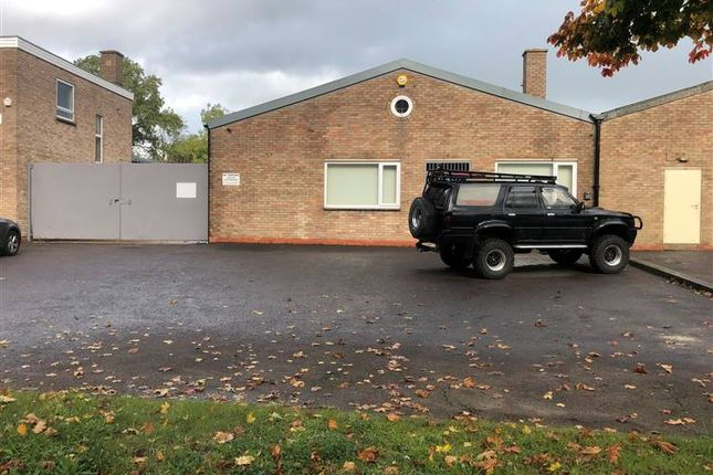 Thumbnail Commercial property to let in St. Peters Road, Rugby
