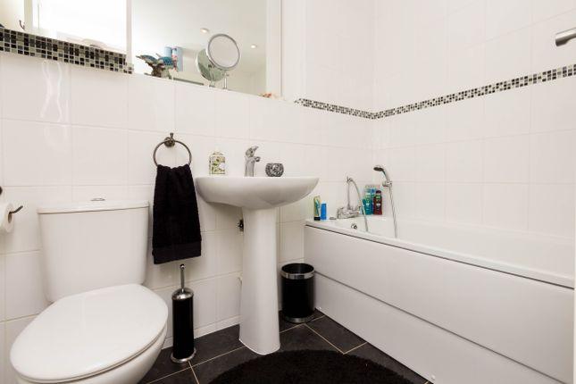Bathroom of Croyland Road, Wellingborough NN8