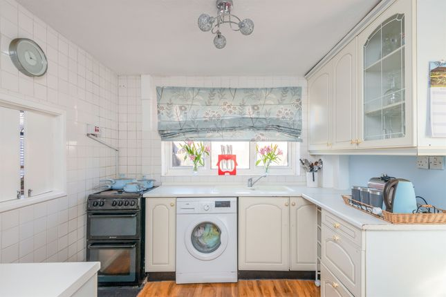 Kitchen: of Croft Grove, Uttoxeter ST14