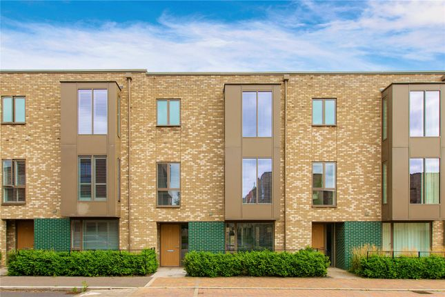 Thumbnail Terraced house for sale in Knightly Avenue, Cambridge
