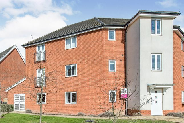 Thumbnail Flat for sale in Phoenix Way, Stowmarket
