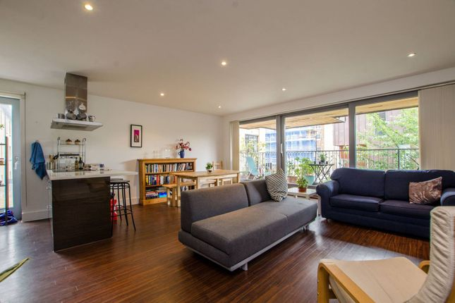 Thumbnail Flat for sale in Copperfield Mews, Bethnal Green
